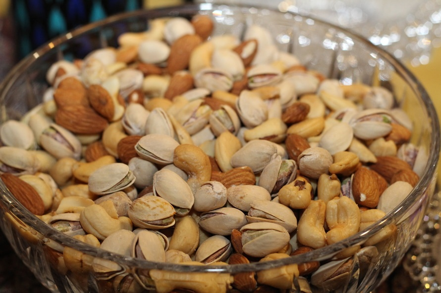 Bowl of nuts good for losing weight